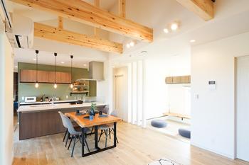 ≪クレバリーホームの平屋住宅Granshareモデル見学会≫家族同士の顔がすぐに見れるのでいつでも繋がりを感じることができます。 間取りやデザインの自由度が高いので、オーナー様のこだわりを実現することができました。